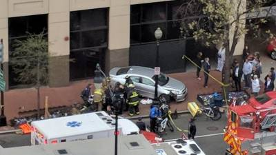 b2ap3_thumbnail_Police-4-people-struck-by-vehicle-in-D.C.-after-2-vehicle-collision.jpg