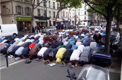 b2ap3_thumbnail_Screenshot-2018-7-5-Former-French-politician-Muslim-street-prayers-are-about-taking-over-the-streets-and-show-superiority.png